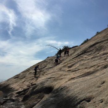 trilha na pedra do pontal