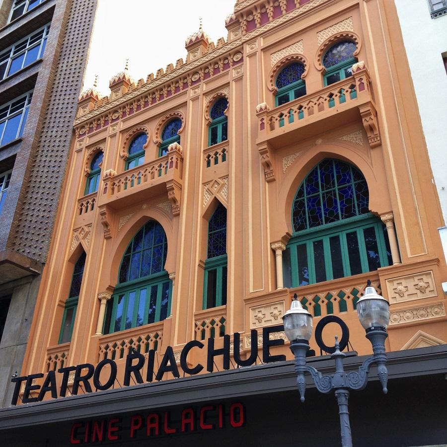 cbd70a890a Teatro Riachuelo  prédio de 1890 abriga teatro moderno